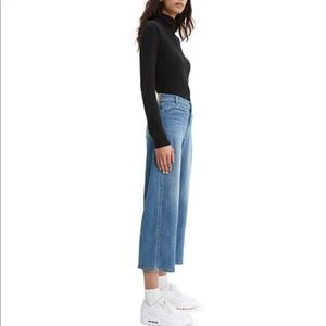 Levi's Wide Leg Crop Jeans in Wash Private Jet